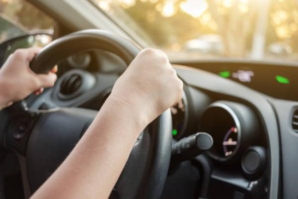 Pasos para conducir un coche automático