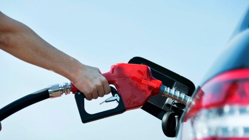 Qué ocurre si se mezcla gasolina sin plomo 95 y 98 en un coche